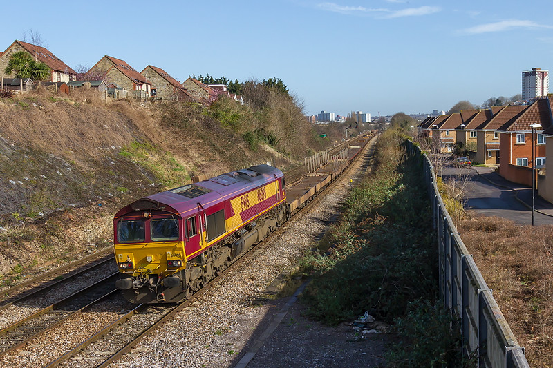 10th Mar 2015:  66095 is worrking 6V51 from Warrington Arpley to the  Portbury car terminal. Captured nearing the Parson Street Junction in Bristol