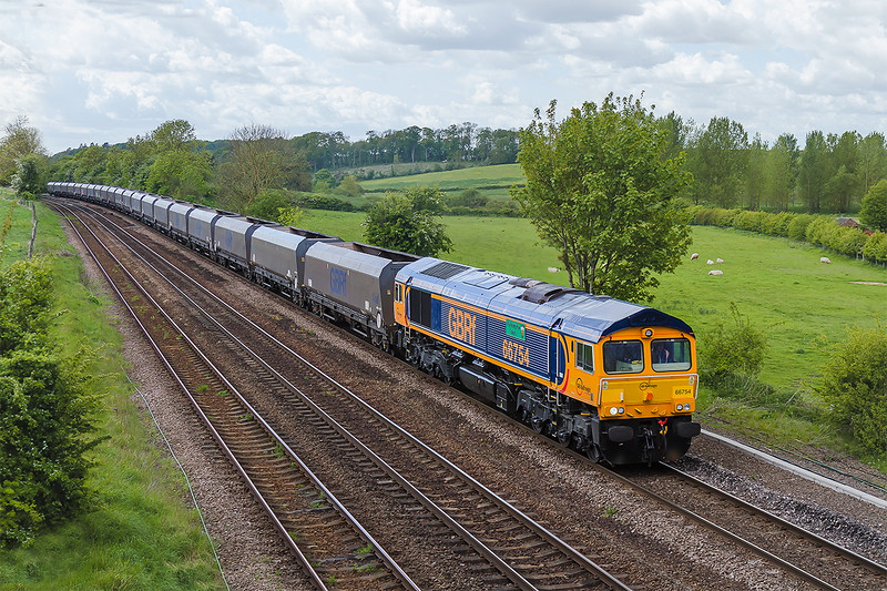 20th May 2015:  66754 'Nottingham Saints' works 4R73 from Cottam Power Station to Immingham passd Knabbs Bridge