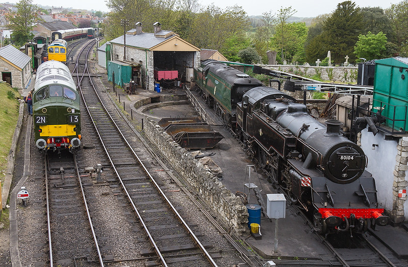 8th May 2015:  80102, 34070.D33102 ans D 6737 at rest in the throat at Swanage.  The layout here has not changed much since the middle 1960s