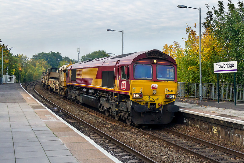 11th Oct 2015:  Following the RHTT through Trowbridge  at 5.35pm is DB stickered 66043 and 6W97 from Bridgend to Westbury.  On the tail of the LWR set was 66134.  Still iso1600 of course