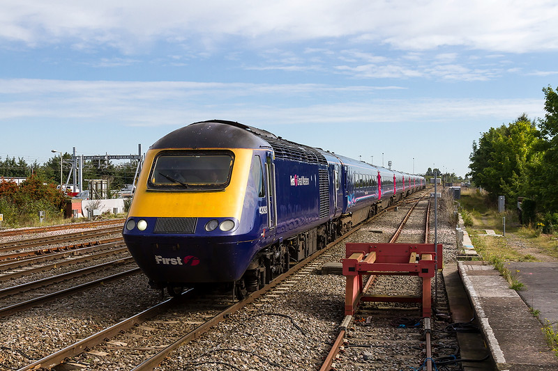 17th Sep 2015:  The 1st Swindon shot of the day shows 43093 with 43137 on the tail working 1C09 the 10.00 Paddington to Paignton