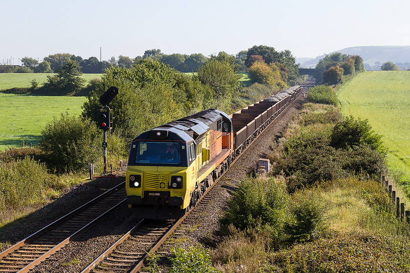 26th Sep 20154:  73 minutes after 70803 passed Fairwood with 6C25  70804 heads west with 6C24 to Par