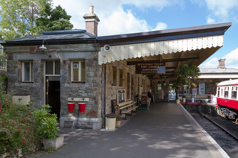 8th Sep 2015:  A Branch Line modellers dream the 'L' shaped terminal at Bodmin General