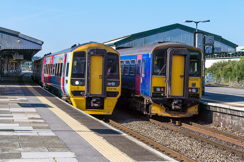 6th Sep 2015:  158798 and 153380 rest in Platforms 1 & 2 at Westbury