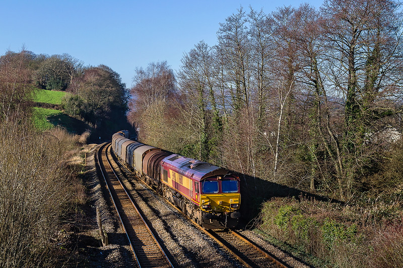 19th Jan 2016:  66110 runs down the grade through Ponthir with 6V75  the 09.30 from Dee Marsh to Margam covered steel