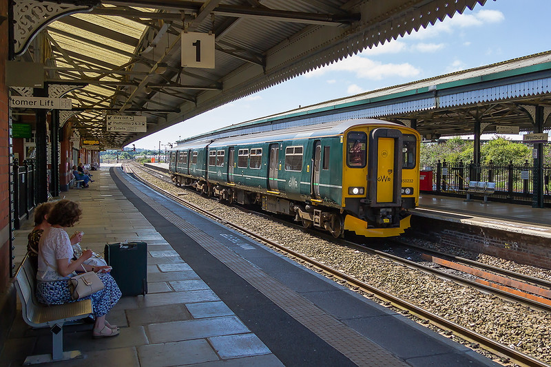 12th Aug 2016:  150232 resting in Platform 2 art Westburry as it works 2M98 from Southampton to Great Malvern