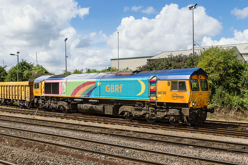 4th Aug 2016:  Another shot of the sunny side of 66720. Pictured at Westbury as it prepares to leave with 6M40 to Stud Farm to collect ballast for the virtual Quarry