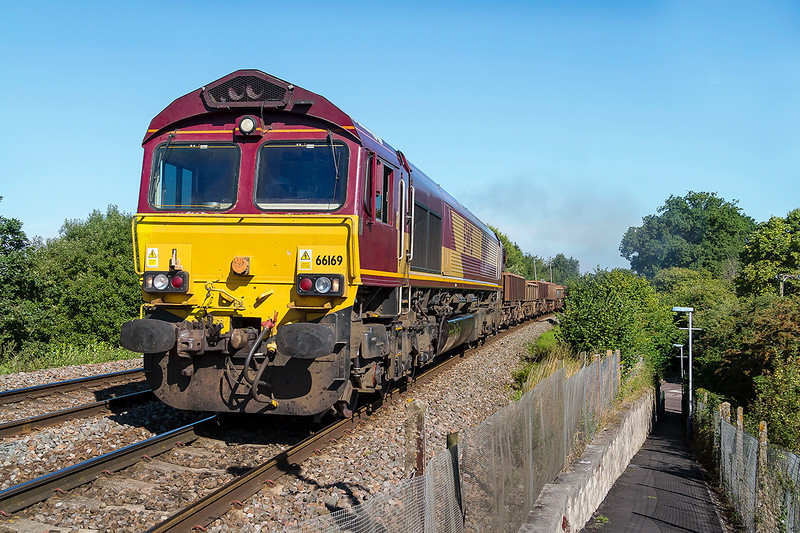 30thAug 2016:  Same old shot at the same old location of the same old working but it is close to home and I get to see what will be on the Stud Farm later.  66169 on 6O41 the morning Westbury to Eastleigh departmental at Dilton Mash