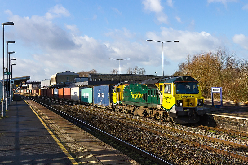 2nd Feb 2016:  Unfortunately running through Platform 3 at Swindon is 70014 in charge of 4O70 from Wentloog to Southampton.  The next 2 freights pathed to run through Swindon were both routed up the Berks and Hants due to signalling problems at Uffington