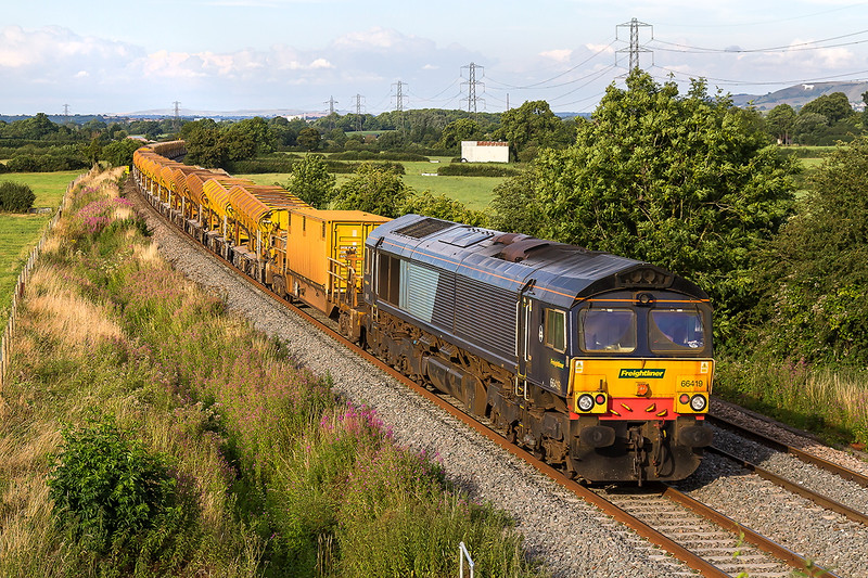 27th July 2016:  66419 is on the tail of 6Y19 from Fairwater to Billingshurst where major ballast renewal is being undertaken.  This MOBC set will be moving to Sevington in Kent in a few weeks time so it is a case of snap it while you can.