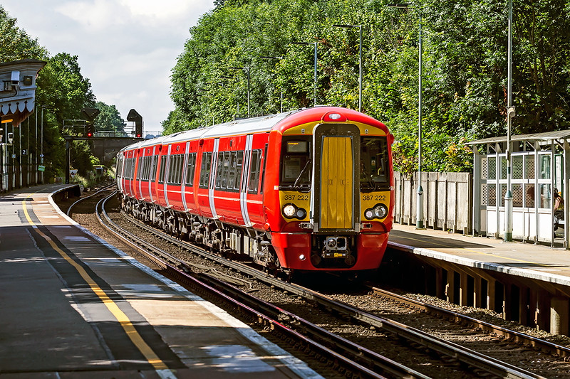 4th Jul 2016:  387222 is working 1W22 the 10.05 Brighton to Bedford through Wivelsfield
