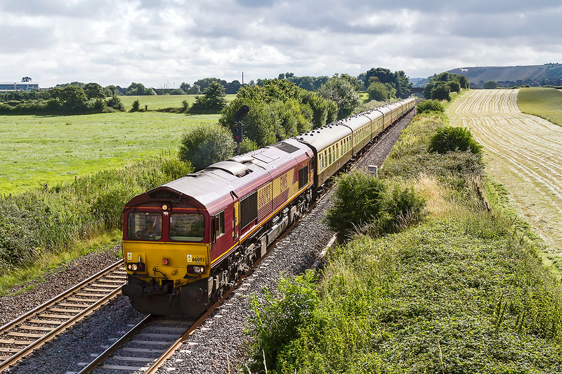 24th Jul 2016:  Not the birthday present that I expected but at least the sun shon.  46100 Royal Scot failed it's FTR exam so the loco used on the ECS, 66093, was used in stead.  1Z27 the 'Torbay Express' leaving Westbury as it travels from Bristol Temple Meads to Kingswear