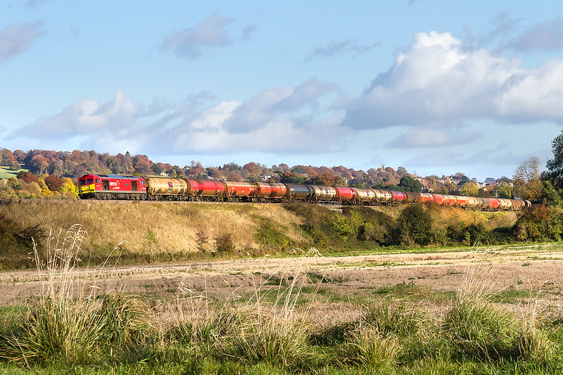5th Nov 2016:  Captured at Newton St Loe near Bath 60007 is in charge of 6B33 from Theale to Margam.  Closure of the Didcot to Swindon line forced that working to run via the Berks & Hants lne and the through Bath to get to the Severn Tunnel