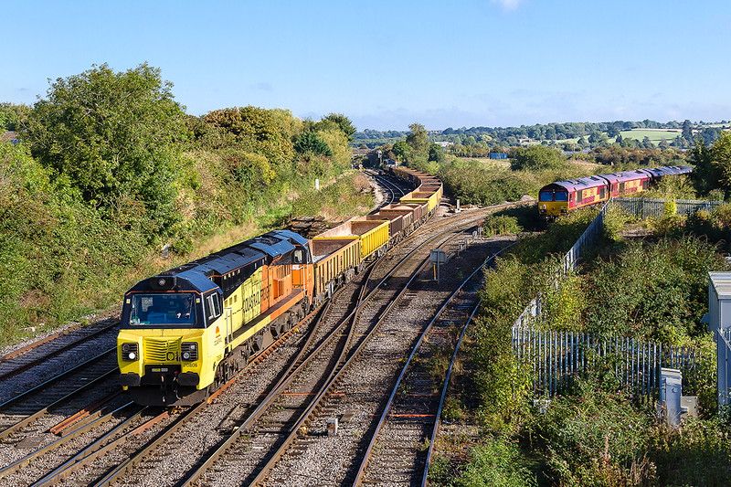 2nd Oct 2016:  70806 TnT with 70801 arriving at Westbury with 6C23 from Filton Abbey Wood