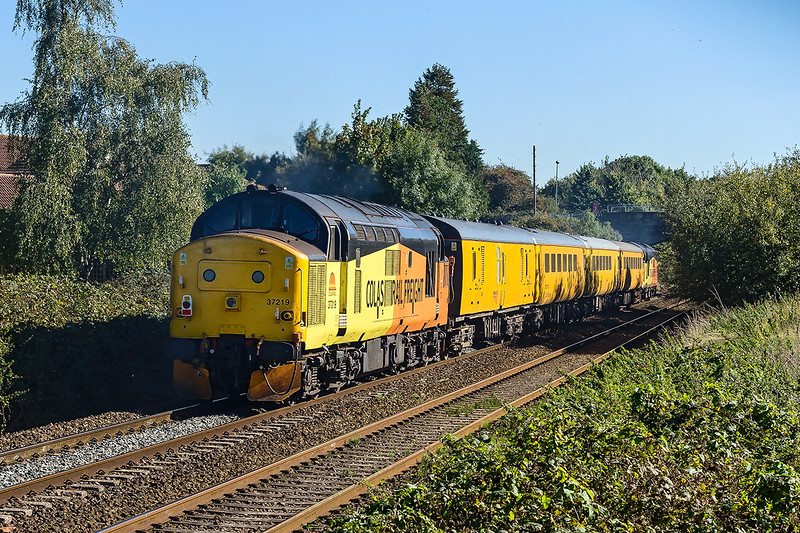 5th Oct 2016:  Thr Colas test train working 1Z78 started from Tyseley at 06.44 and is making for Bristol Temple Meads.  The roundabout route tooke 37175 & 37219 to Duddeson Junction. Evesham, Oxford and Bristol East Depot before a run to Heywood Road Junction and then back to Bristol Temple Meads.  Captured here at it leaves Trowbridge