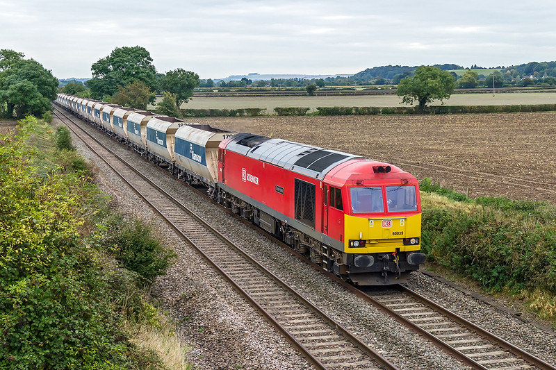 6th Oct 2016:  60039 is today tasked with 6C31 from Theale to Whatley.  THe location is Cowleaze Lne in Edington