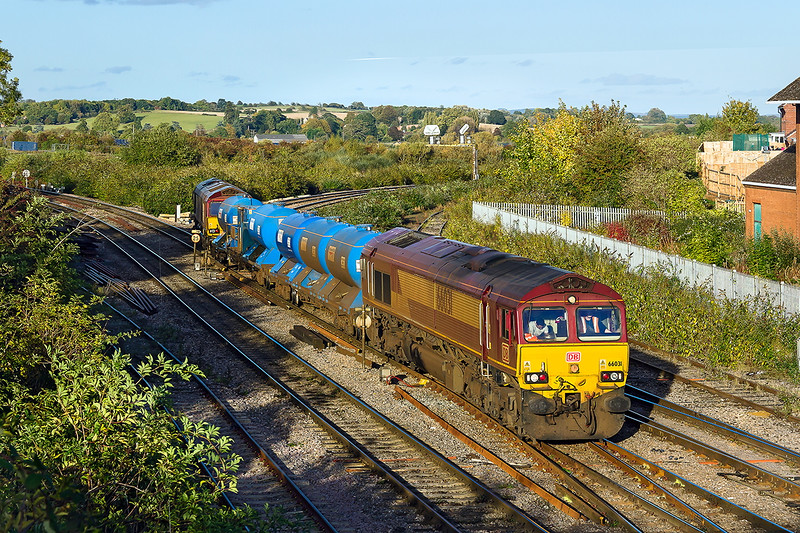 18th Oct 2016:   Possibly the last sunny afternoon before the shadows would spoil the view at Westbury North Junction sees 66031 and 66096 working 3J41 RHTT from Didcot to Didcot via the Berks & Hants making for the Up Yard.