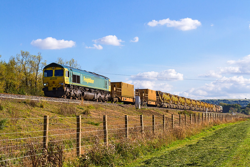 3rd Oct 2016:  Making a rare visit to Fairwater from Sevington the MOBC, well half of it, is captured at Yarnbrook between  Westbury and Trowbridge.  6Y19 powered by 66545 with 66564 on the rear is running 40 minutes early when it passed me