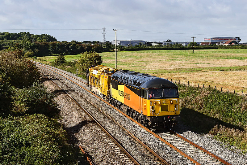 25th Sep 2016:  Taken from the Pot Lanre bridge in erkley is 67078 and a Noo Noo (stone blower) working back to Westbury from Plymouth after a stay in the West of England