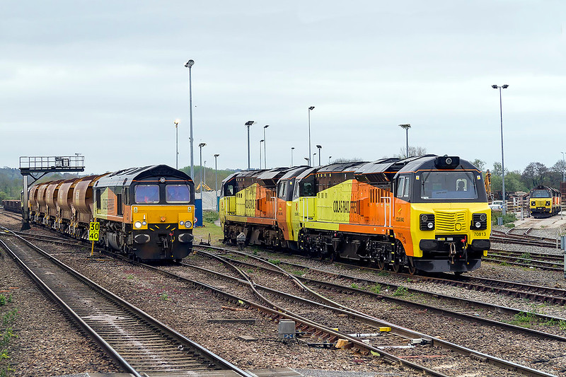 12th Apr 2017:  7 Colas locos in the frame with new 70813 taking prime position with 70810 behind.  66848 and 846 are on the left and 70811 in the middle of the three on the right