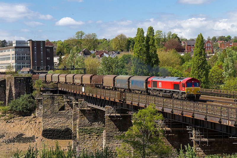 23rd Apr 2017:  Crossing the River Usk at Newport is 66128 heading to Dee Marsh Sidings with 6M30 from Margam