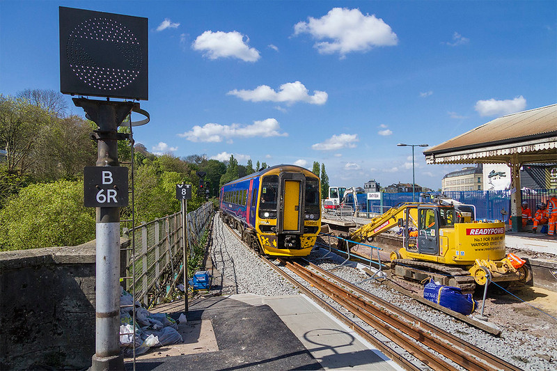 19th Sep 2017:  158962 forming 1F19 the 13.30 from Cardiff to Portsmouth Harbour entering  the Down platform at Bath Spa.  The new raised p latform does make it much easier and safer to get on and off the trains
