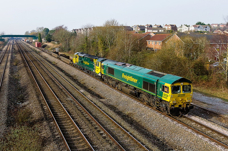 13th Feb 2017~:  A very lightly loaded (12) 4O70 from Wentloog tp Southampton MTC was originally to be powered by 70006.  Presumably it had a problem as 66525 was sent to Cardiff and was providing the urge as it ran back through Undy just to the west of Severn Tunnel Junction