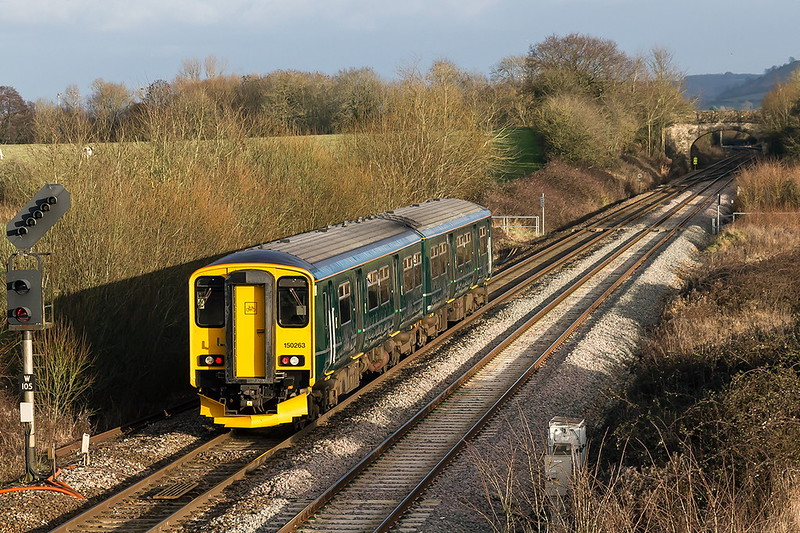 11th Jan 2017:  15263 is today forming 2E24- the 123.10 from Weymouth to Gloucester.  Even in good light the GWR Holly Green still looks crap tp me.