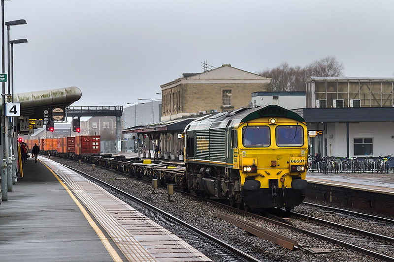 16th Jan 2017:  Hammering through Swindon is 66531 in charge of 4L32 from Bristol Freightliner Terminal to London Gateway
