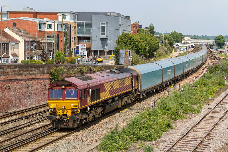 6th Jul 2017:  4O40 is the 09.43 from Morris Cowley to Southampton Eastern Docks..  66035 is doing the honours and the load is BMW Minis going for export