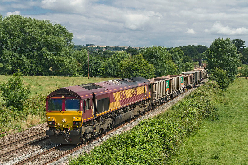 12th Jul 2017:  A welome surprise at Great Cheverell as it was not shown as running on RHTT was the diverted 6C58 from Oxford Banbury Road to Whatley in the hands of 66061