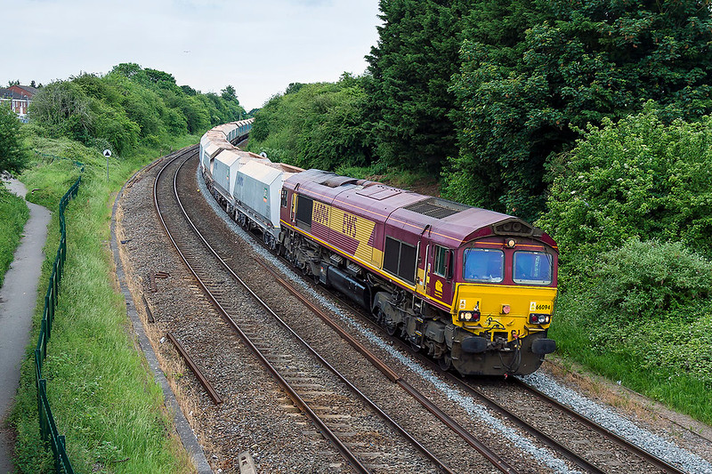 2nd Jun 2017:  A very welcome surprise was the choice of 66094 to power 7B12 the Merehead to Wootton Bassett stone.  Usuallly the grunt is provided by a class 59, it was a shame that there was no sun to join in the celebration