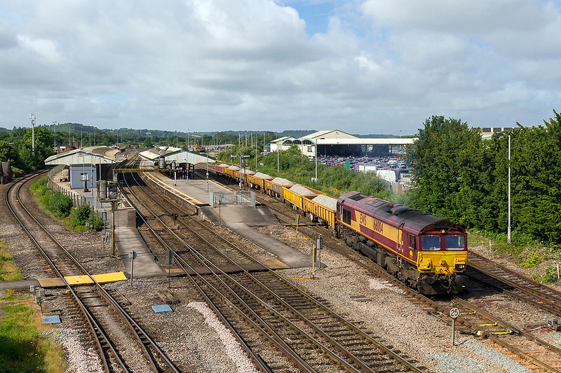 11th Jun 2017:  Leaving Westbury a few minutes early is 66004 taking 6W03  to Cardiff Ninian Park.