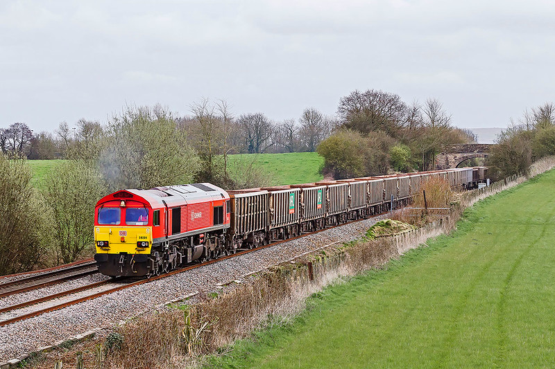 28th Mar 2017:  Today 6C28 from Exeter Riverside to Whatley Quarry is in the hands of 59201 with the bell end leading which is good.  This shot is now possible because the embankment has been cleared.