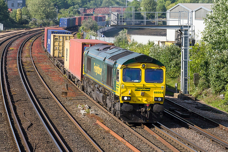 10th May 2017:  Rounding the curve from St Denys is 66954 working 4O35 from Daventry to Southampton Maritime