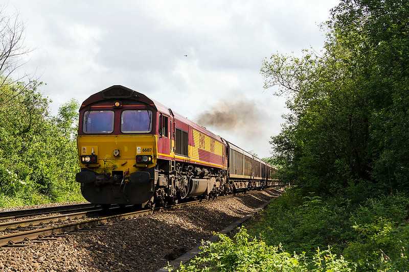 27th May 2017:  I an glad that this unusual  service, 6V62, passed me in the sun at Heywood.  66187 has a load of VTG Ferryvans on it's way from Tilbury to Margam