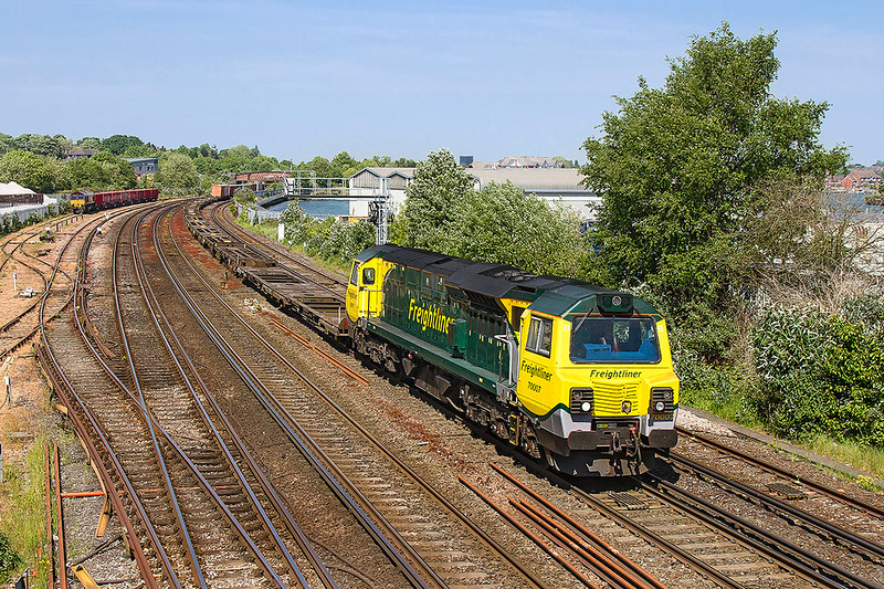 10tyh May 2017:  Why is it that if a liner is lightly loaded the front is always empty?  Filling the question is 70007 heading 4O49 from Crewe Basford Hall to Southampton away from St Denys