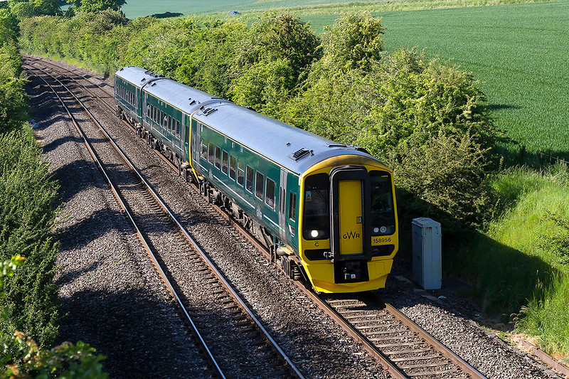 25th May 2017:  Holly green is becoming quite common now and here is 158956 at Heytsbury as it works 1F25 the 15.30 from Cardiff to Portsmouth Haaarbour.  It had actually started from Newport at 15.53 due to a late running earlier service
