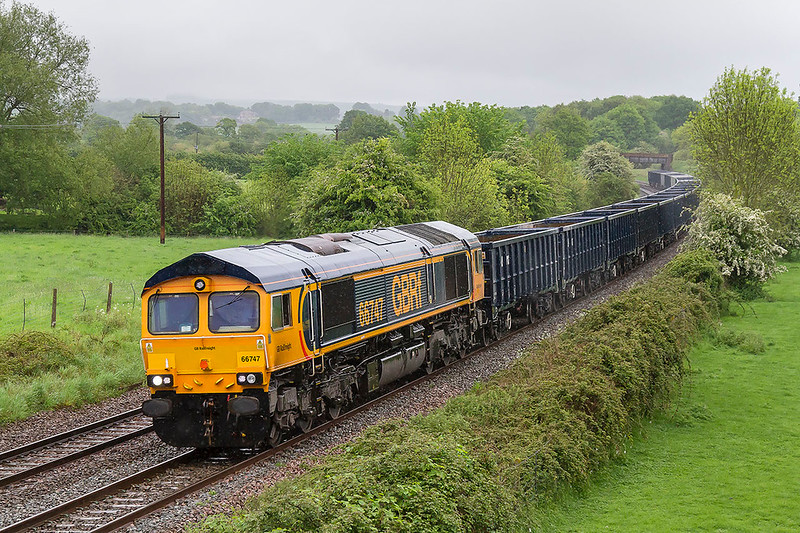 17th May 2017:  Not anything like a nice May day at Great Cheverell as 66747 runs through with 6V42 from Wellingborough to Whatley for a stone refill.  If Tornada had not been due to follow five minnutes later with the Belmond Piullman to Bath and Bristol I should not have bothered to go out at all