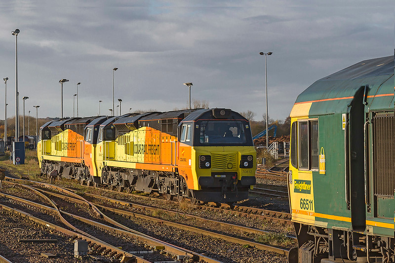 28th Nov 2017: With 70812 and 70813 standing in the spur with 66511 in the Up Loop with 6C73, and a load of only one wagon, waiting for the signal to return to Fairwater Yard