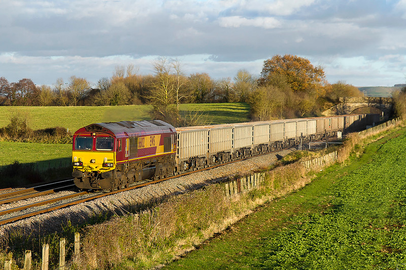 30th Nov 2017:  Approaching Fairwood Junction is 66102 as it works 6C58 from Oxford Banbury Road to Whatley Quarry