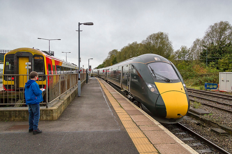 23rd Oct 2017:  Arriving at Swindon's platform 1 is 800003 on 3Z24 the 10.10 test train from Stoke Gifford to Reading Train Care Centre.  My first opprtunity to study an IET at close quartes and I was surprised to find the sludge geen as actually a Vinyl.  In one or two places it was starting peal away. Mmmm!