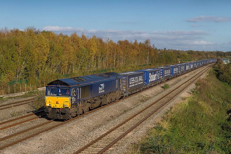 27th Oct 2017:  A regular service to Wentloog at Cardiff is the Tesco Express from Daventry.  With 66433 on the point 4V44 is pictured at Undy that is just round the corner from Severn Tunnel Junction