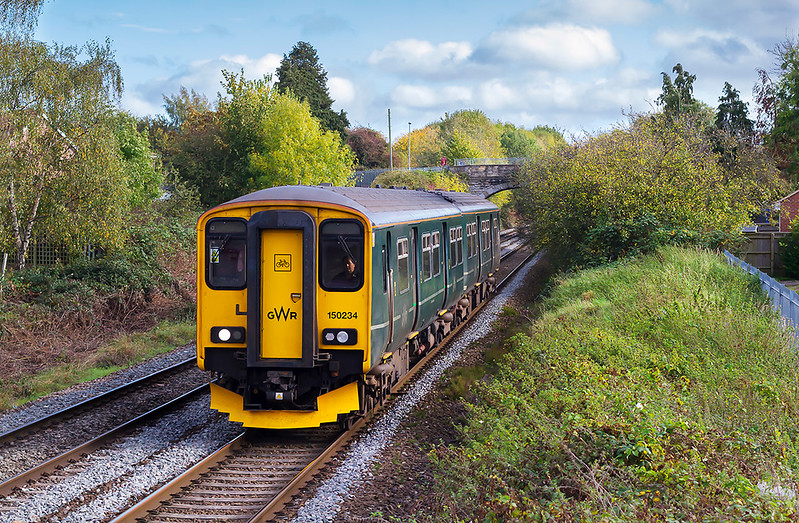 13th Oct 2017:  150234 is earning it's crust by working the 127 mile trip from Weymouth to Gloucester.   2E24 started at 13.10 and after  making 21 intermediate stops arrived  right time at 16.33 .  Pictured here from the Studley foot bridge in Trowbidge.