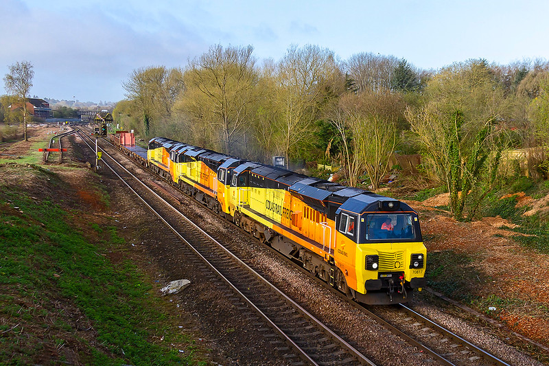 16th Apr 2018:  With almost as many wagons as there are locos 6M50 nears Hawkeridge Junction as it works to Bescot.  70817 is providing the urge with 70806 & 70811 acting as passengers.