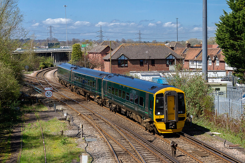 18th Apr 2018:  158950 is working 1F11 the 10.30 Cardiff to Portsmouth Harbour.  Pictured as it comes from the Romsey line at Redbridge Junction.