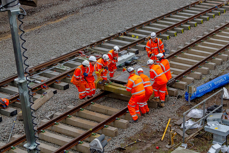 26th Dec 2018:  The grunt of 8 men required to lift the sleepers off from the trolley