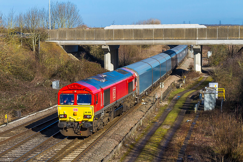 12th Feb 2018:  66020 is on the point of the 'Blue Worm' of more correctly 4O40 from Morris Cowley to Southampton Eastern Docks.  The location is Didcot North Junction