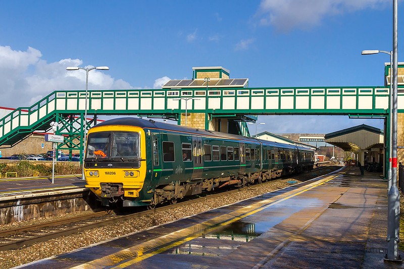 15th Feb 2018: The new scene at Chippenham now that the Swindon Westbury local service is in the hands of the 3 car Turbo units rather that the single 153 Sprinters.  166206 is working 2M11 the 13.29 Swindon to Westbury