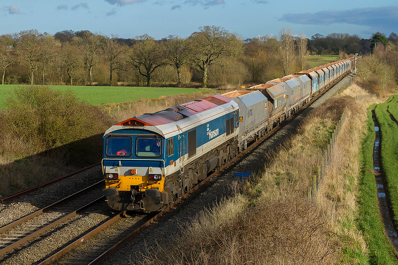 1st Feb 2018: In a fortunate patch of decent light 59104 brings 7C77 from Acton to Merehead through Woodborough.  It is nice to get a Hanson, that wears the oldest livery currently in use, so early in the month